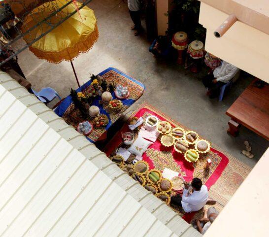 カティン祭で僧侶のために用意されたもの