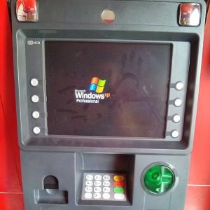 Windows XPになってしまったATM