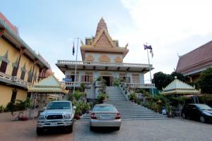 プノンペン最大の寺院。ウナロム寺院。