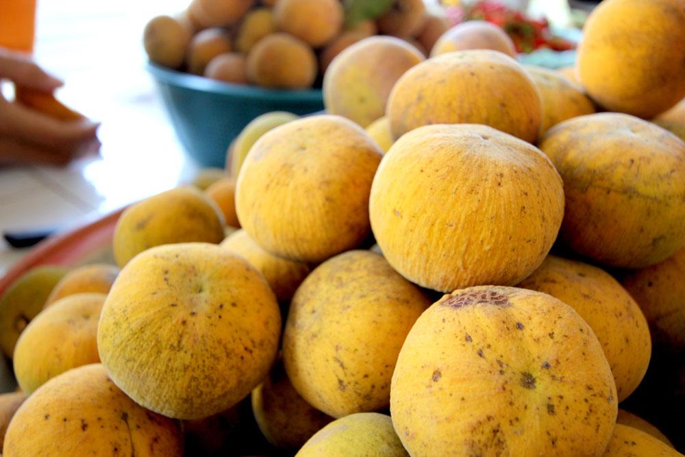 初めて見たこの果物。なんですか?