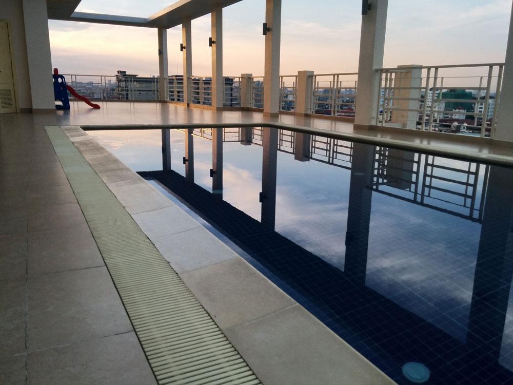 プール付きサービスアパートメント