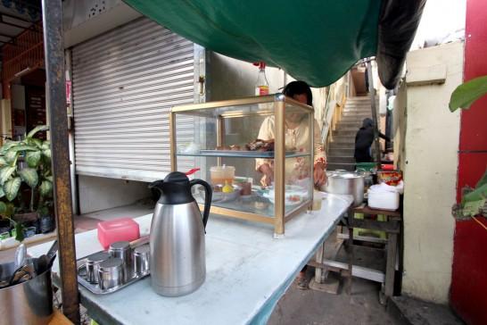 バイサイチュルーク(焼き豚ごはん)の屋台