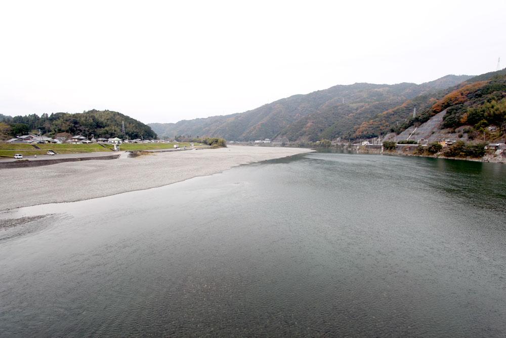 仁淀川。大きな川ですね。