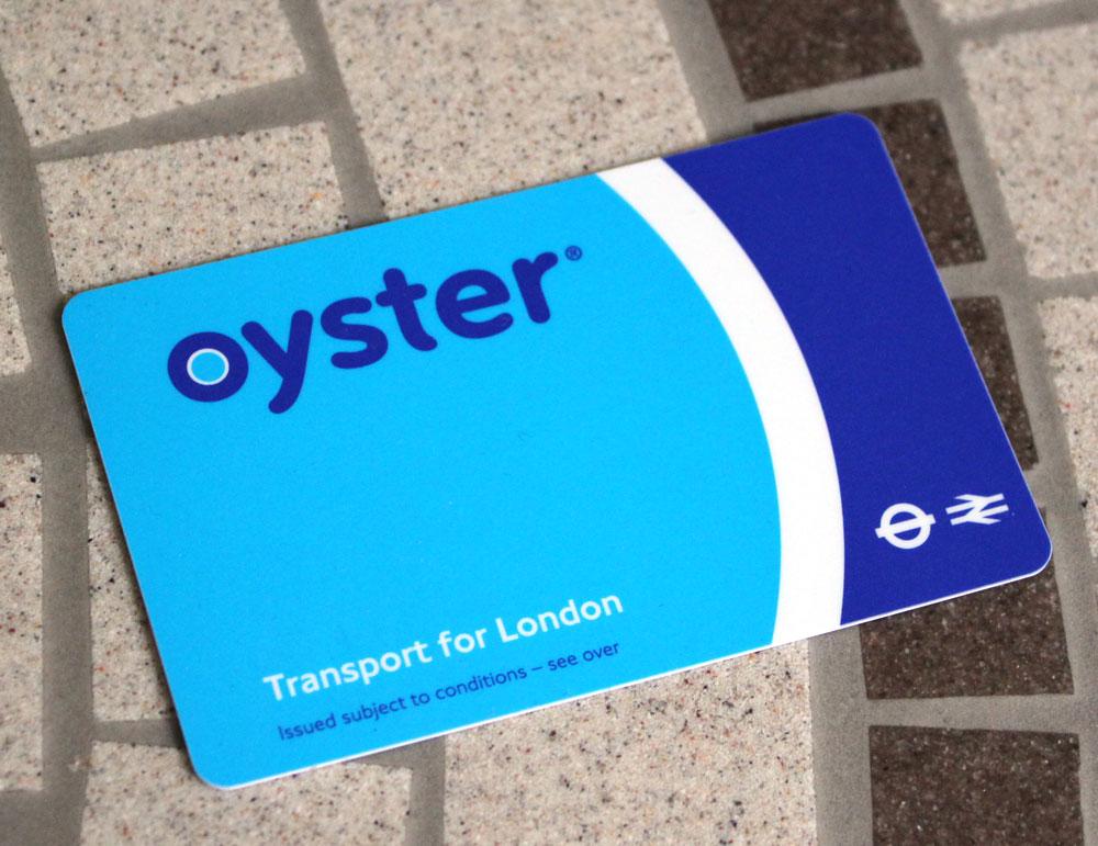 ロンドンの地下鉄やバスで利用できるICカード・oysterカード