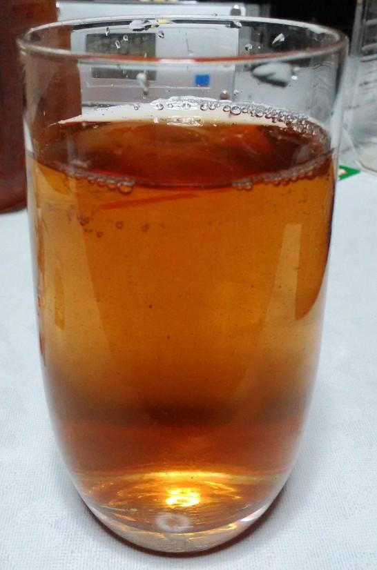 麦茶に混ぜて下剤を飲みました