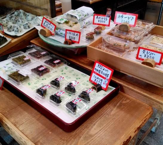 ふたばの店頭にならぶ和菓子
