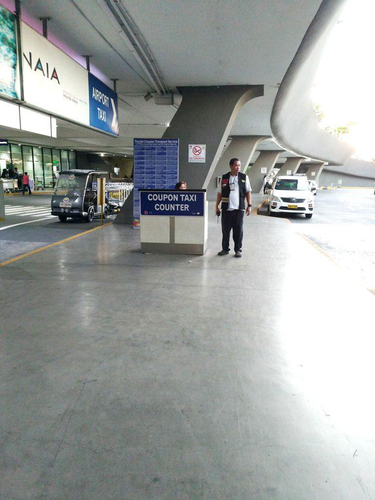 ニノイ・アキノ国際空港のクーポンタクシー