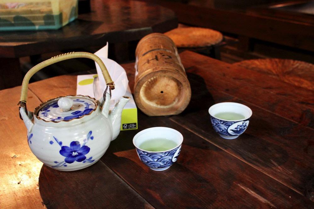いちこく御休み処でお茶をいただく