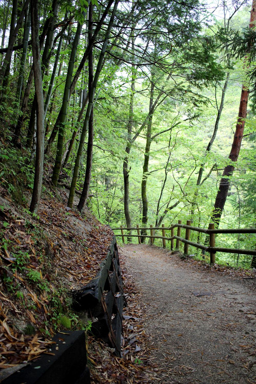 大妻籠から妻籠宿への山道