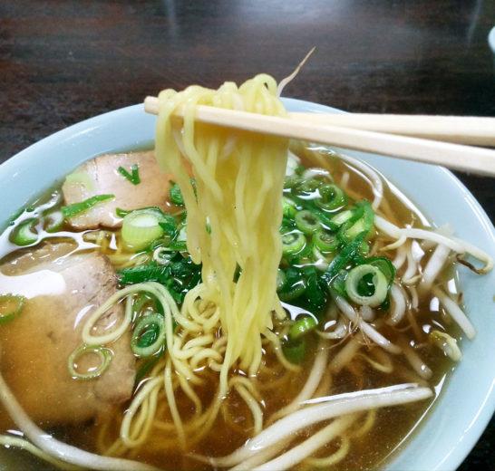 細麺の醤油ラーメン