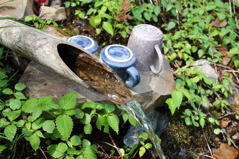 鳥居峠の湧き水