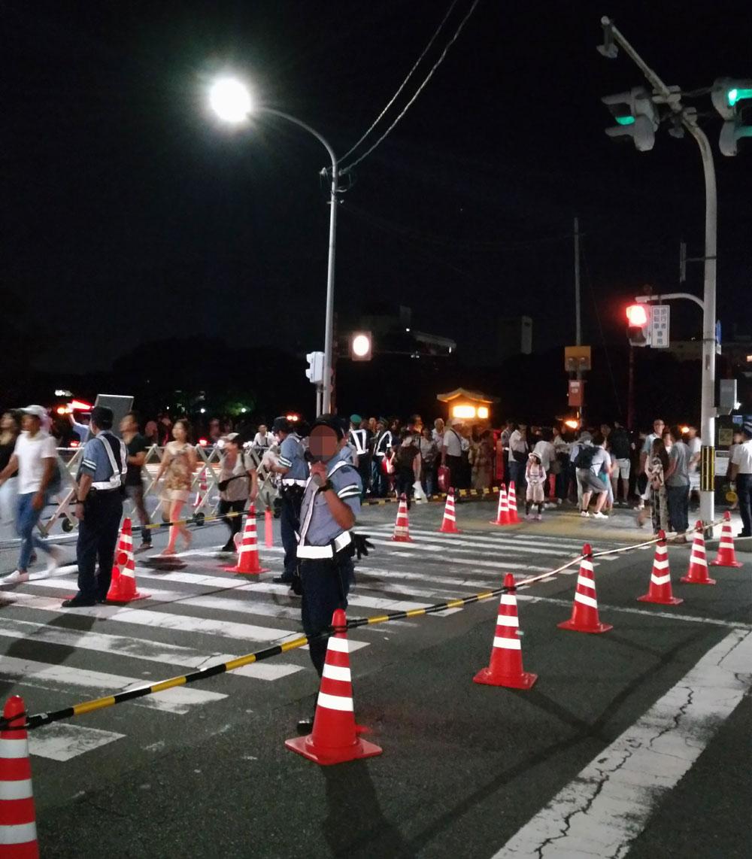 出町柳駅前の交通規制