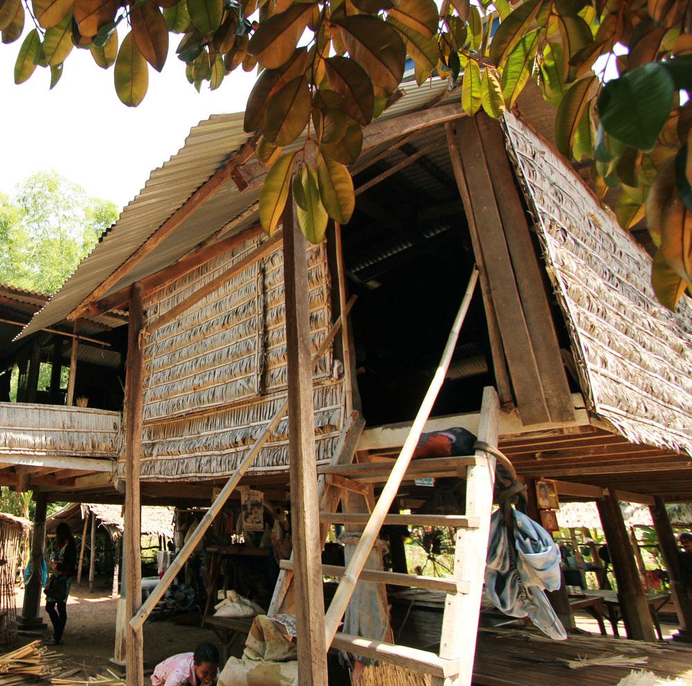 カンボジアの伝統的な家