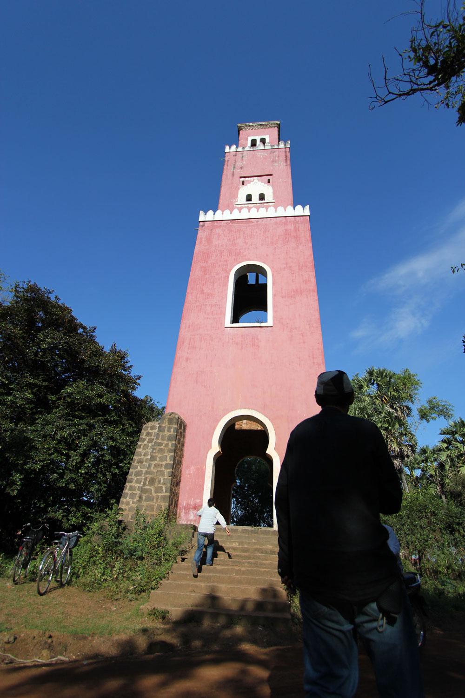 ピンクの塔から降りたところ