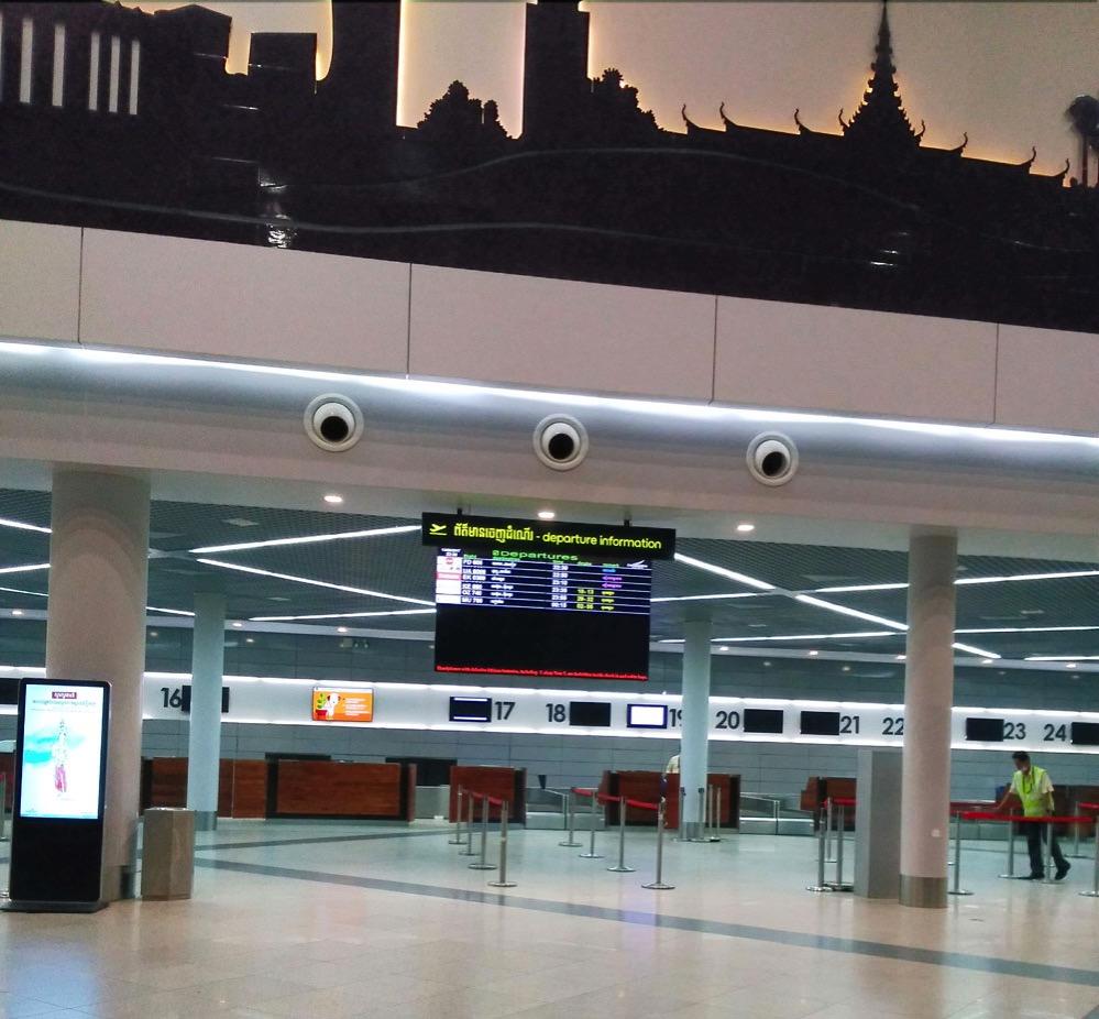 プノンペン国際空港のチェックインカウンター