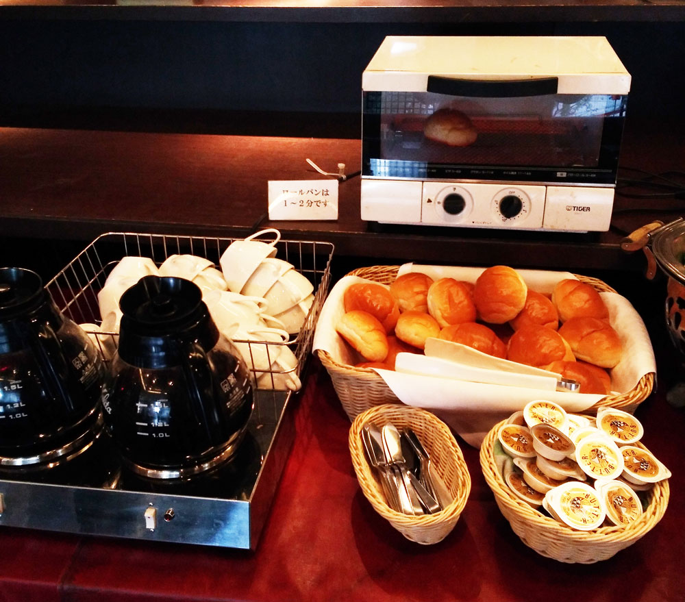 ホテルリブマックス横浜鶴見の朝食(パン)