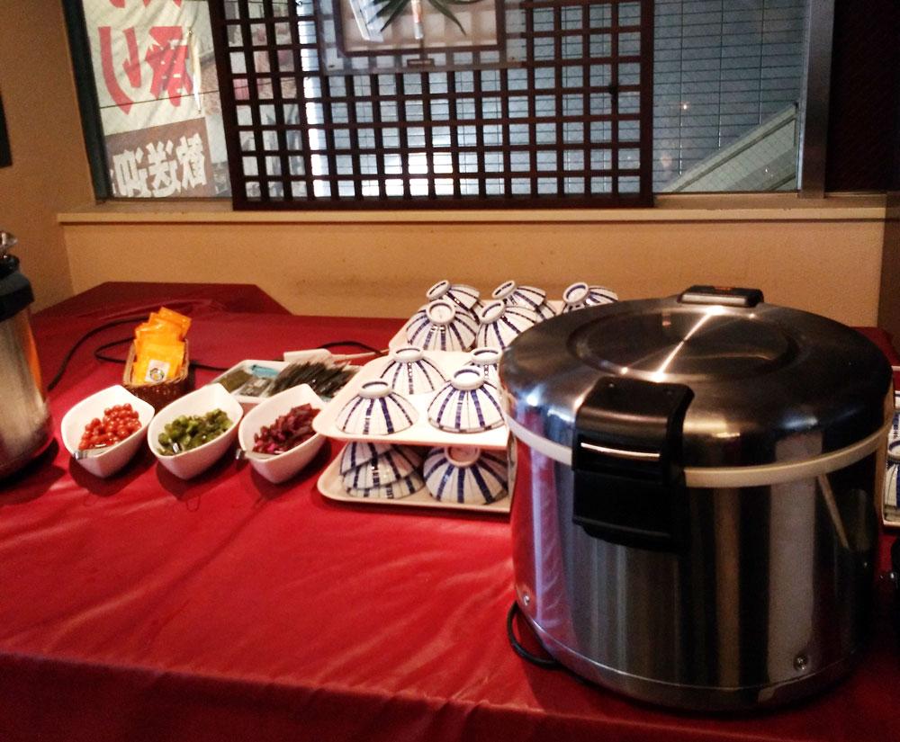ホテルリブマックス横浜鶴見の朝食(ごはんと味噌汁)
