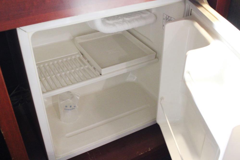 室内の冷蔵庫