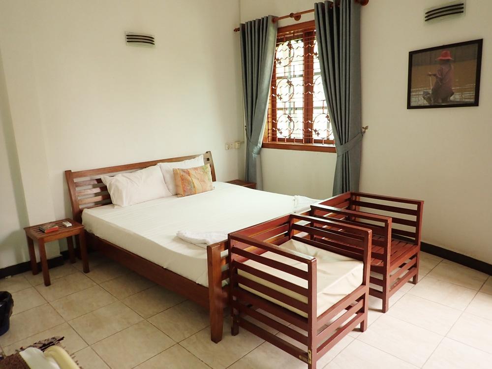 ツインルームの大きなベッド