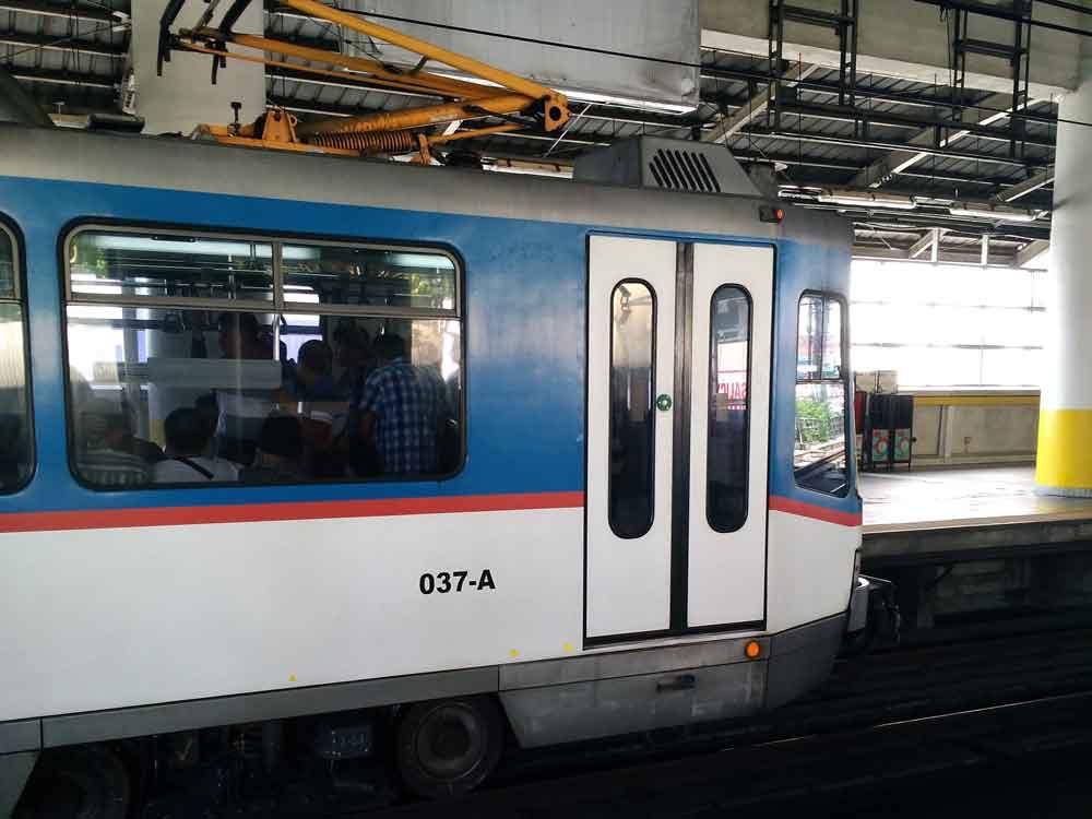 MRT-3の電車