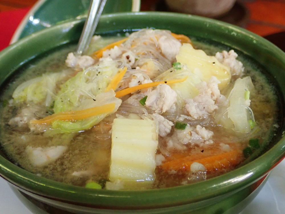 野菜たっぷりの春雨スープ