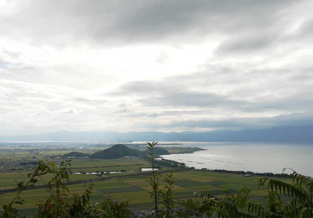 目の前に広がる広大な琵琶湖