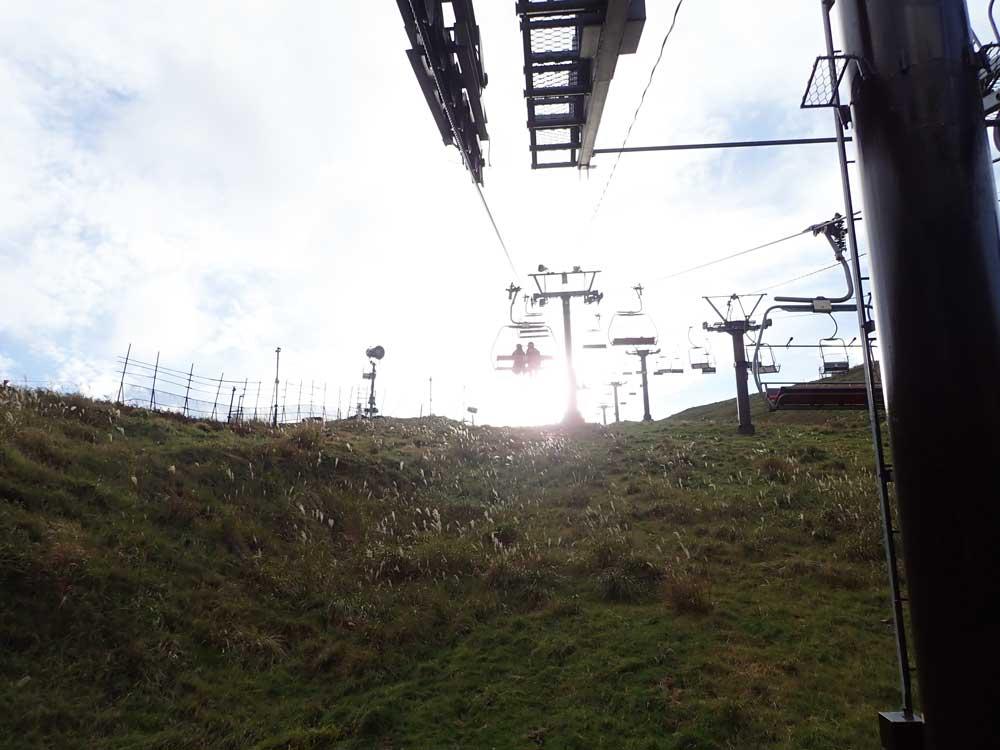 ホーライリフトで蓬莱山の山頂まであがる