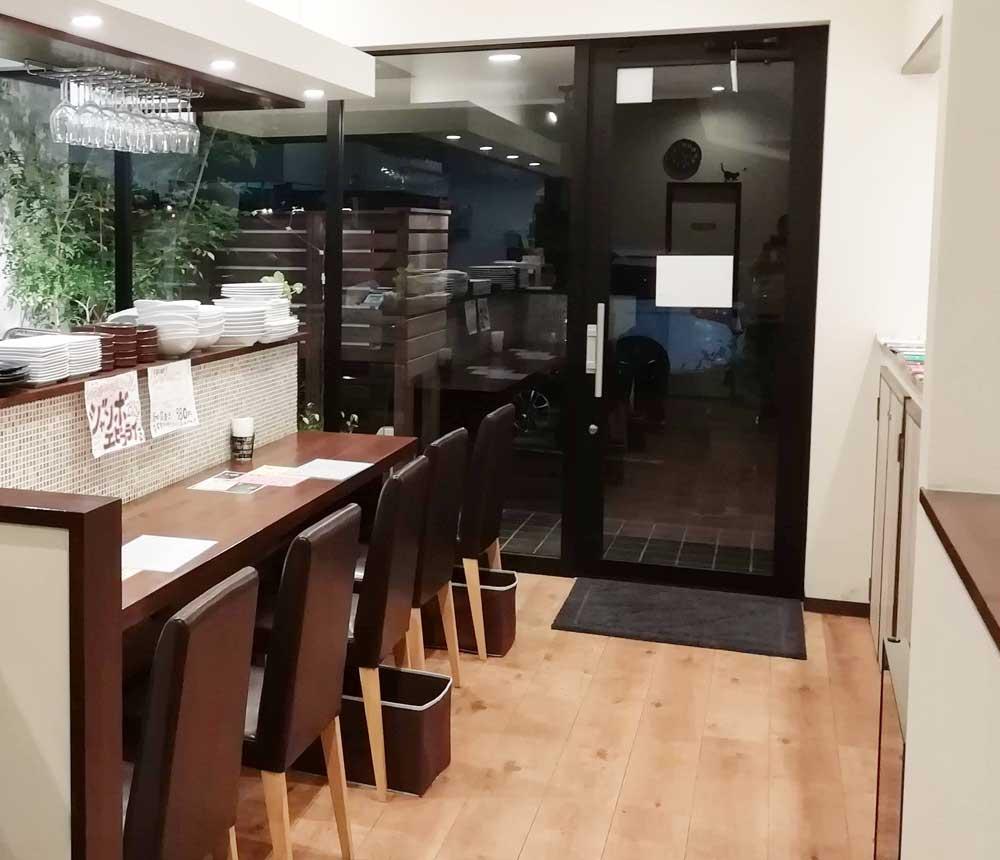 キッチンオリオンのカウンター席