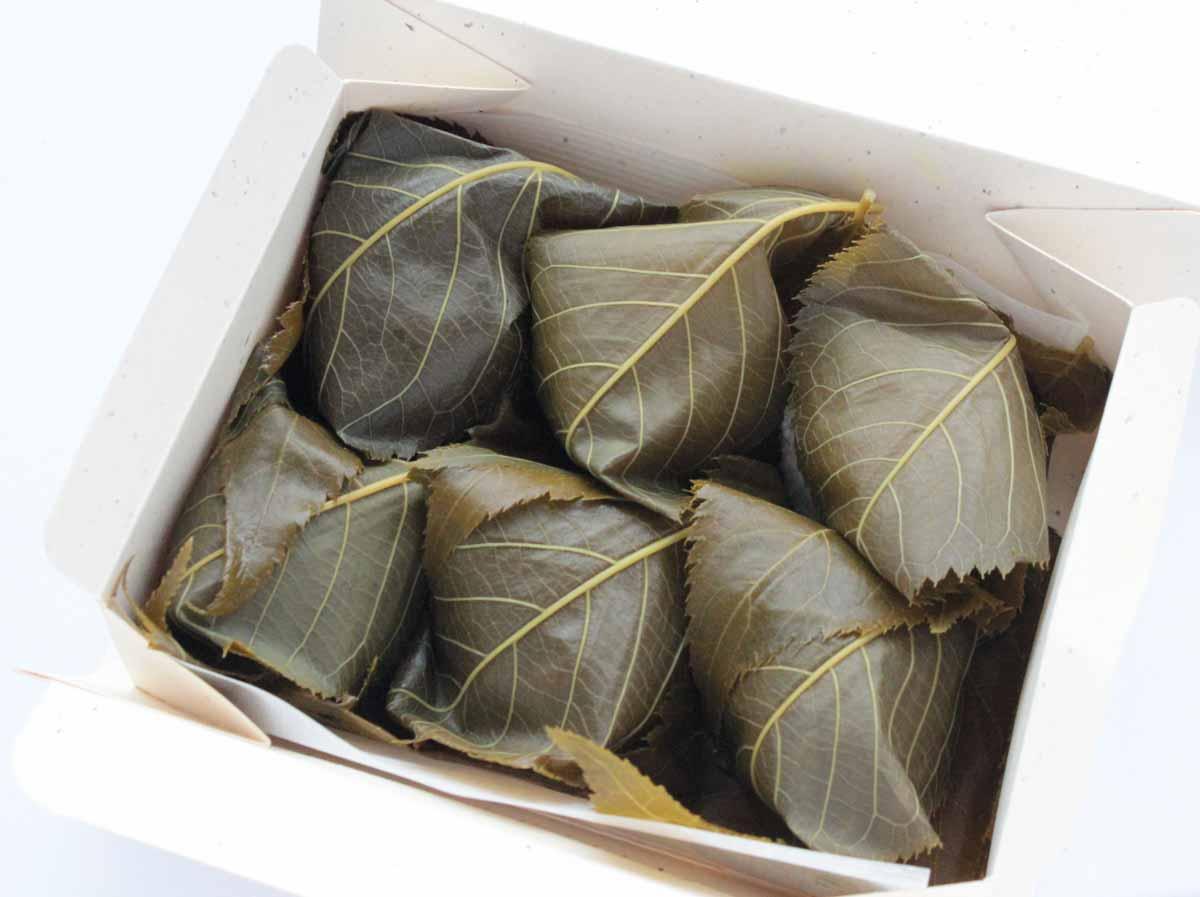 仙太郎 桜餅の箱を開けた写真