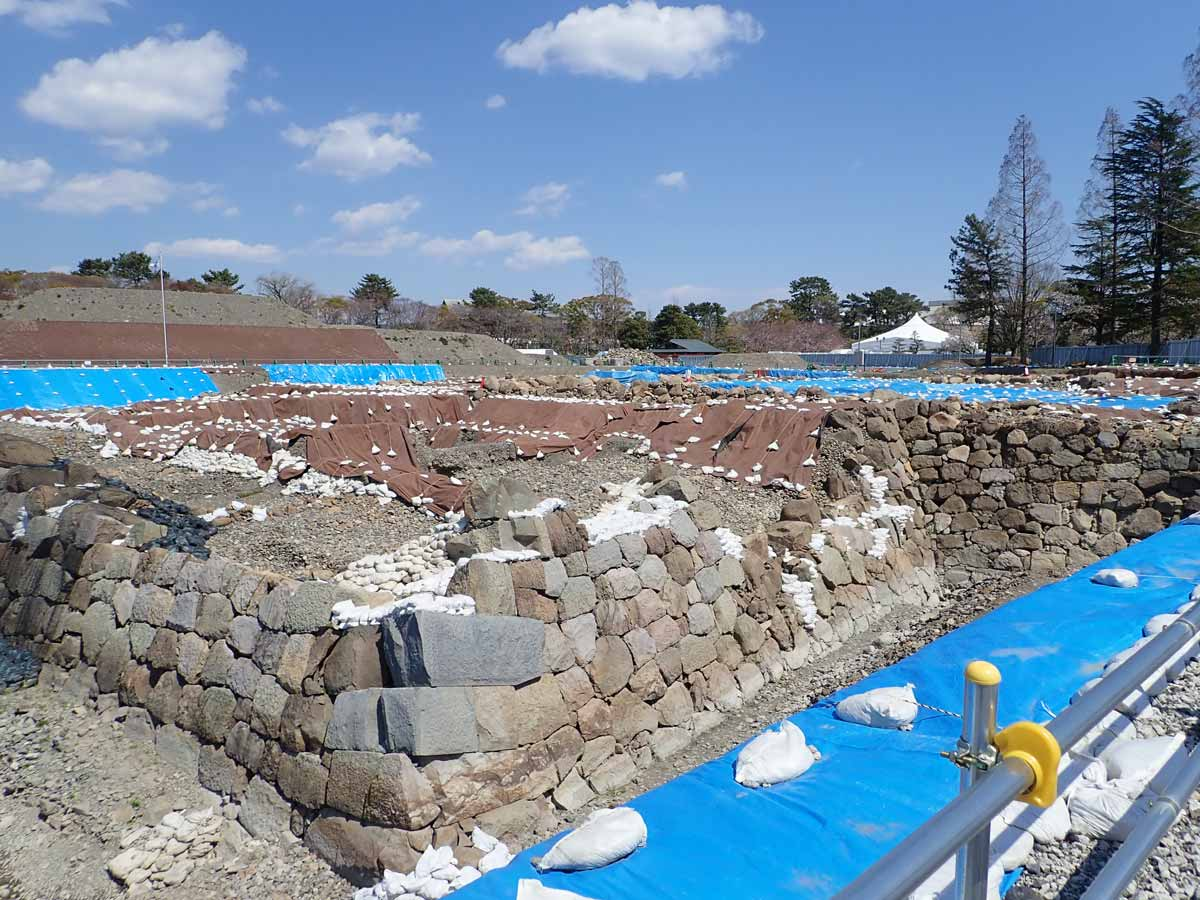 駿府城天守台発掘現場の近くまで入れる