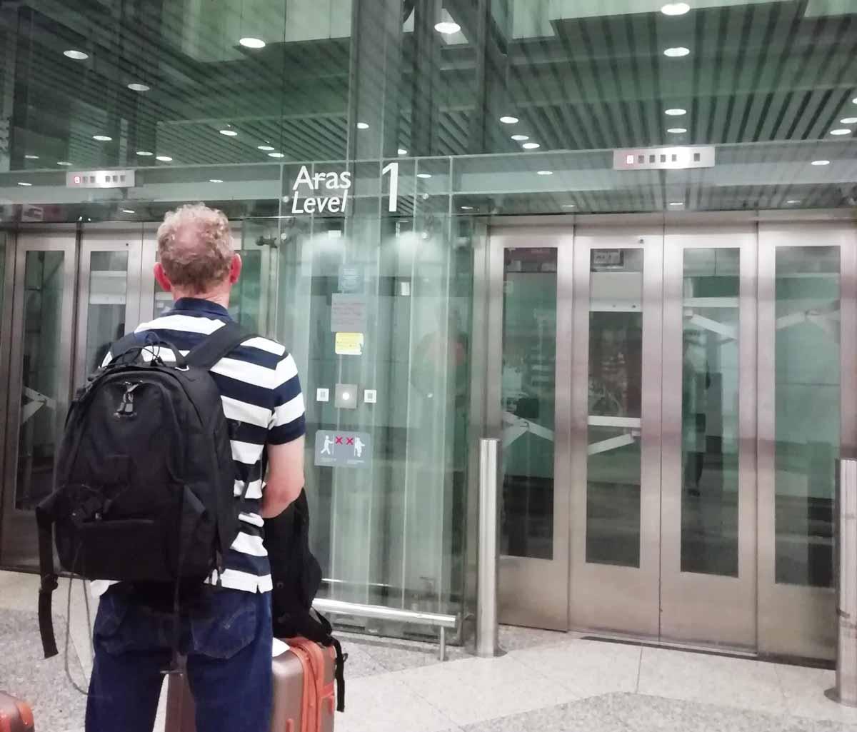 エレベーターを使うと便利