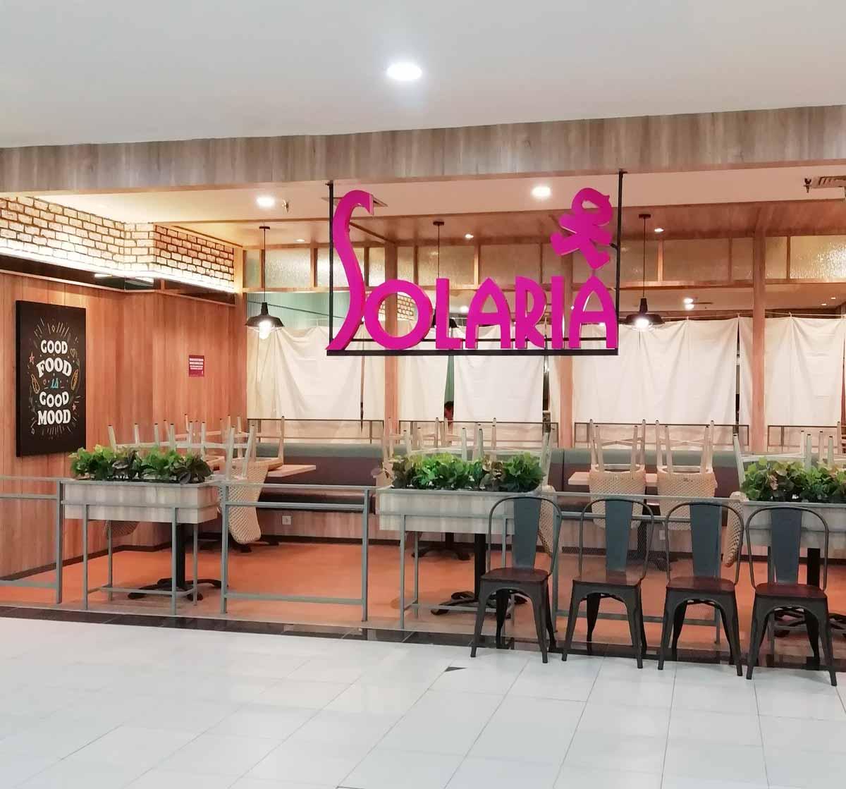 プカンバルモールの飲食店