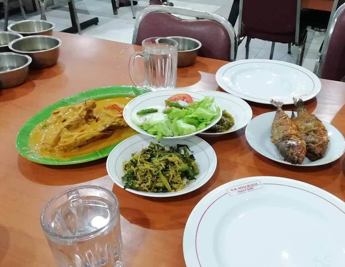 魚や野菜の料理