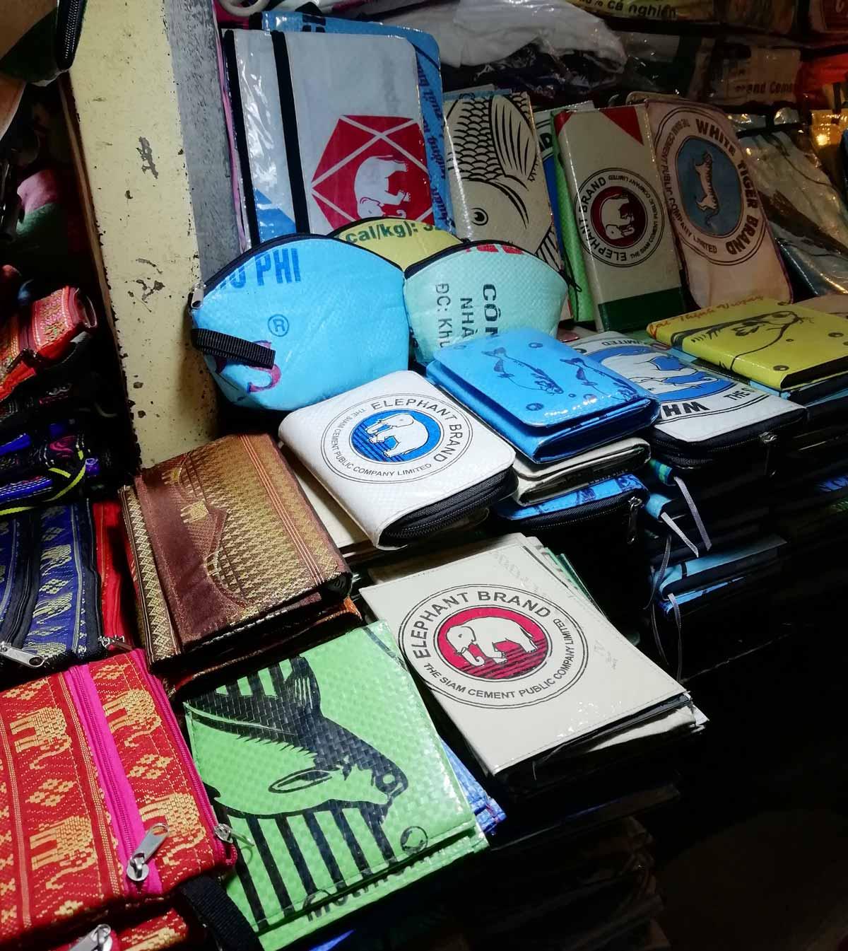 魚のビニール袋を彩入り用いsた商品