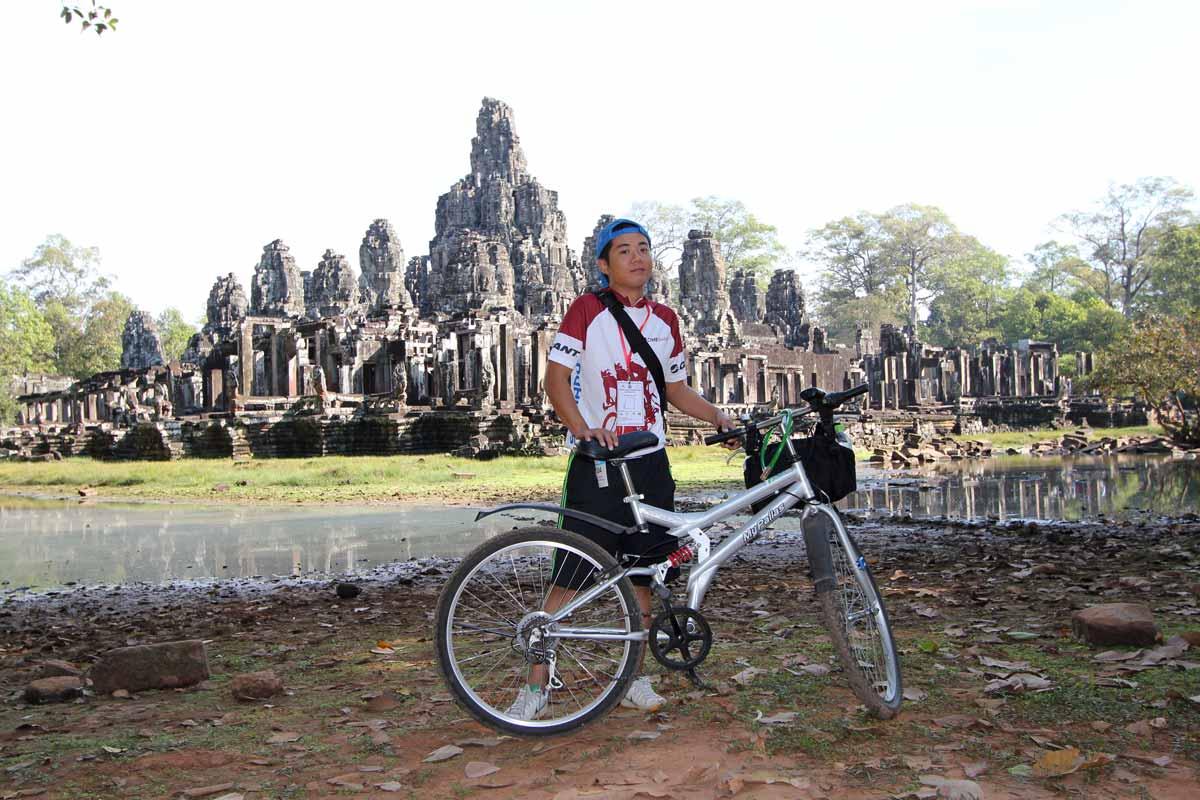 アンコールバイクレースで立ち寄ったバイヨン寺院