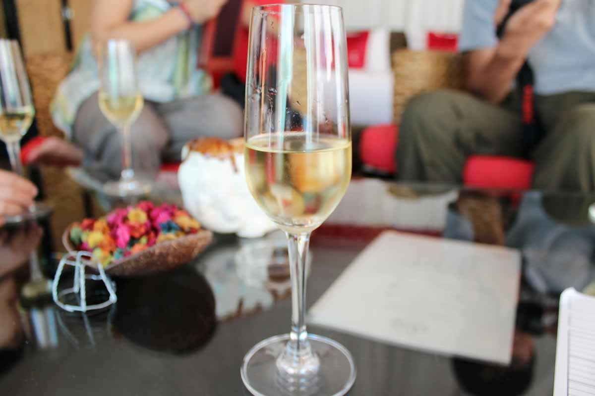 ルームサービスのシャンパン
