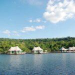 カンボジアの川に浮かぶ極上リゾートホテル − 4 Rivers Floating Lodge