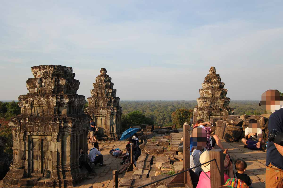 プノン・バケン寺院からの眺め