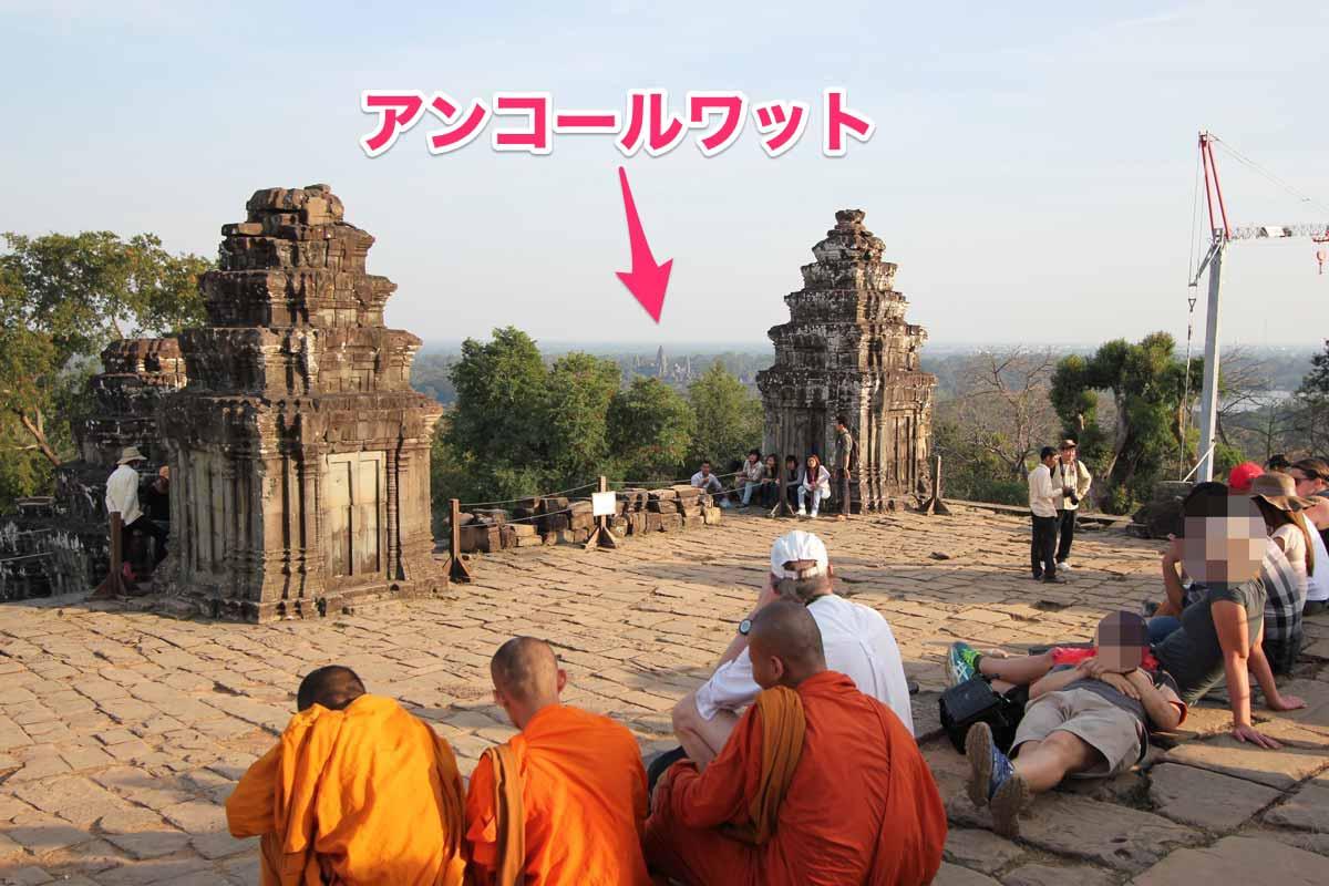 プノン・バケン寺院から見えるアンコールワット