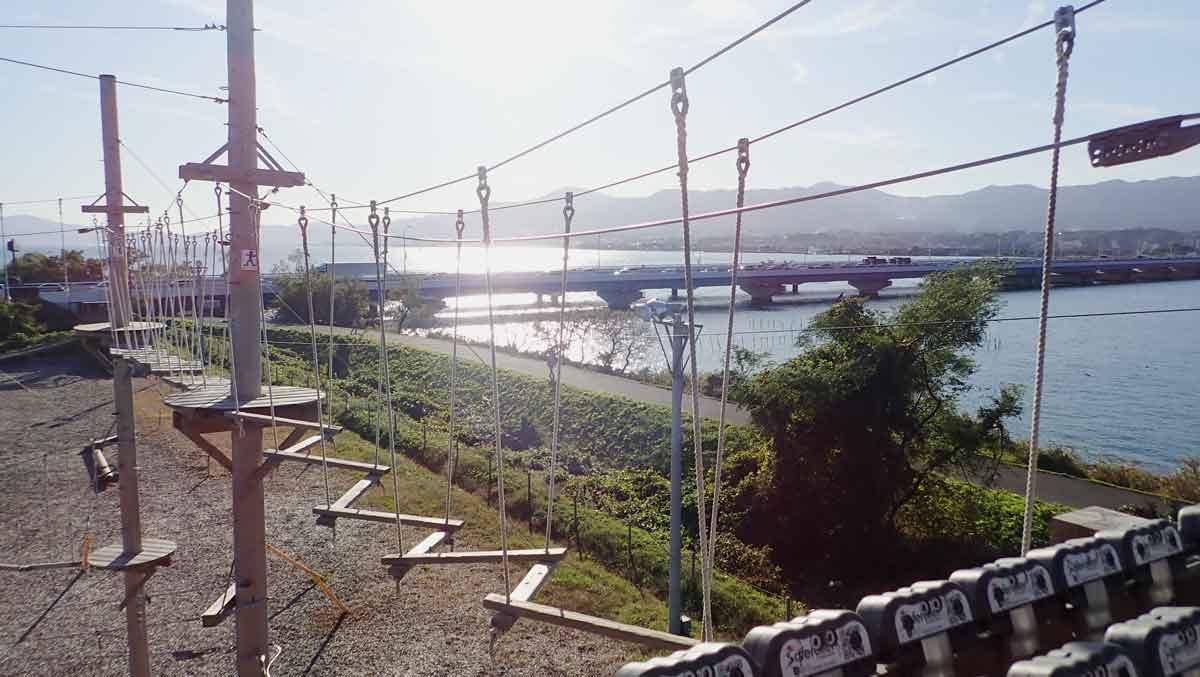 琵琶湖大橋を見ながら8メートルコースがスタート