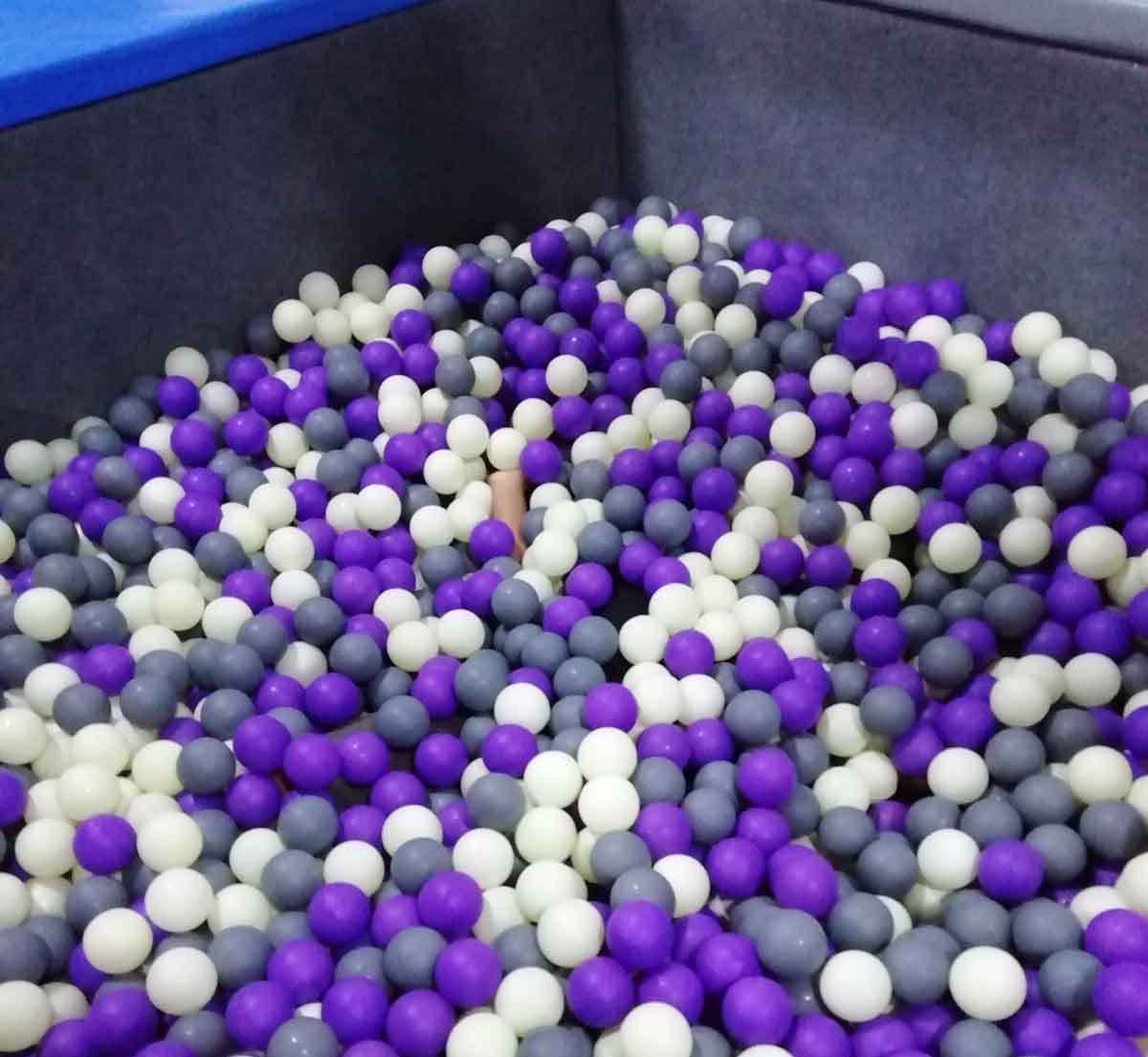 忍者コースの下に敷き詰められているボール