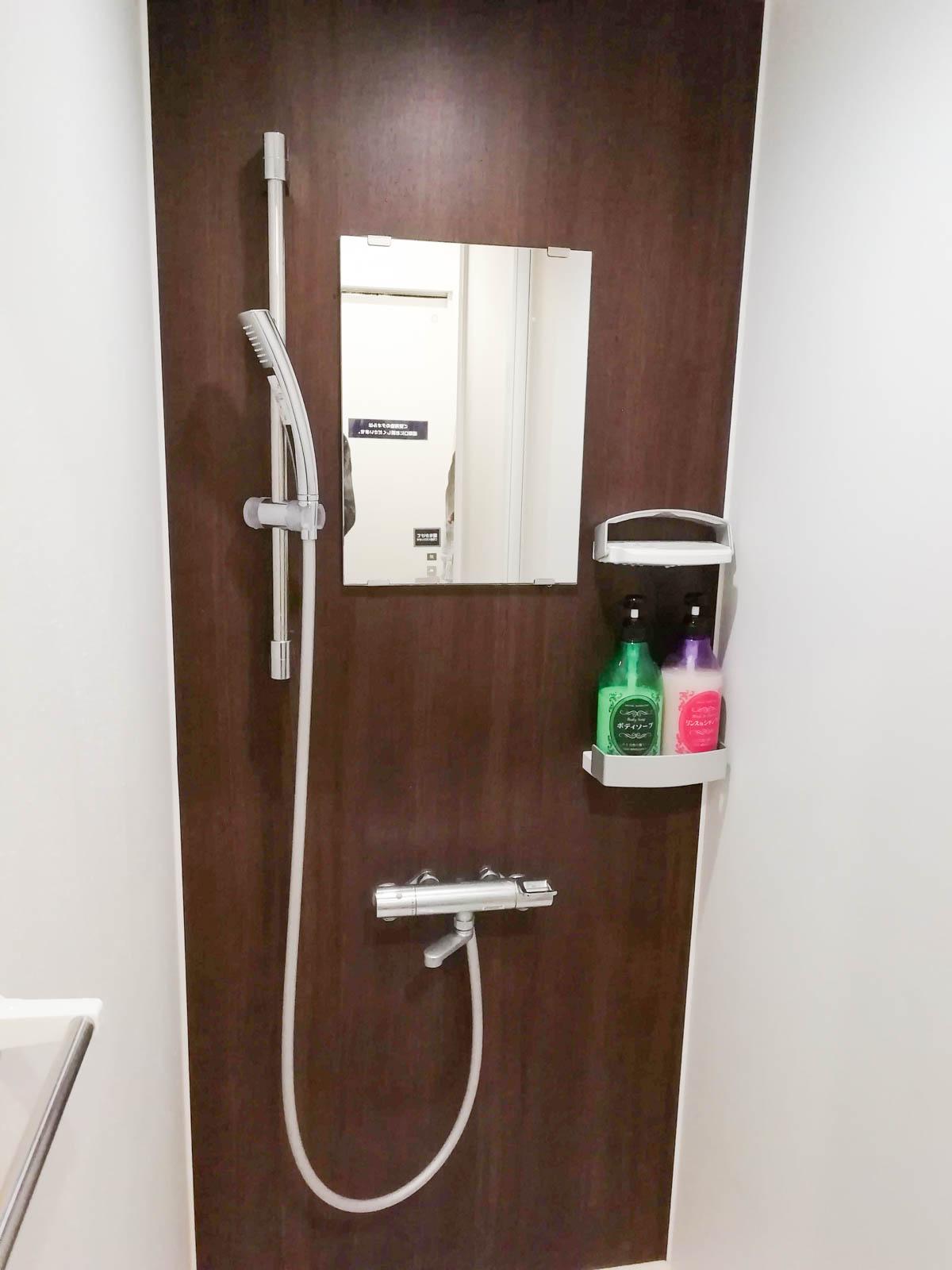 シャワールームの内側