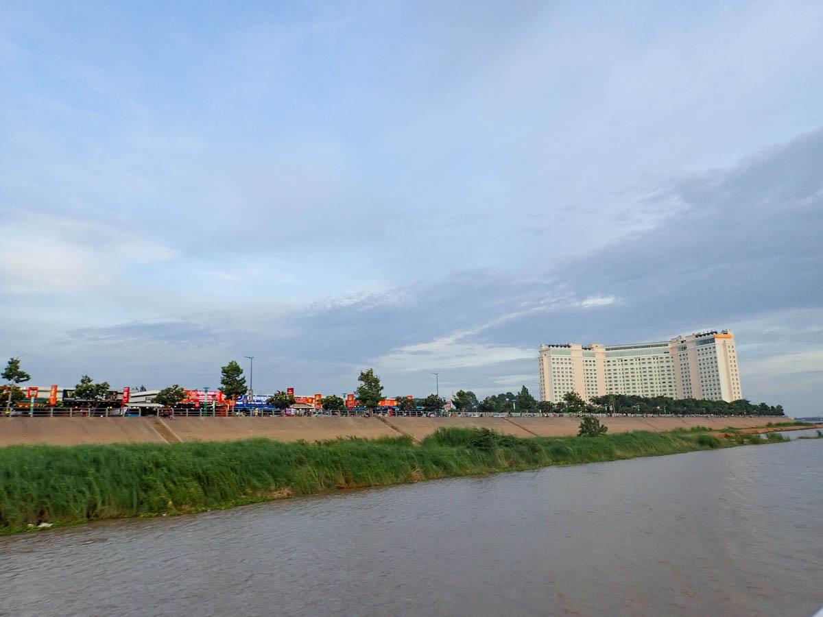 メコン河からサップ河へ戻る