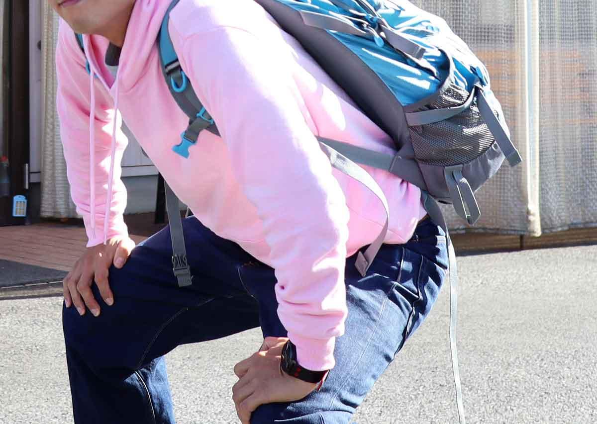 ピンクの服