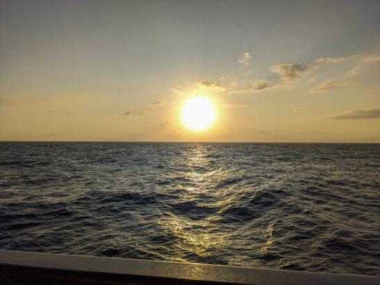 おがさわら丸からの夕日