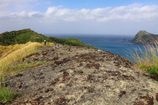 中山峠の上は岩がむき出しになっている