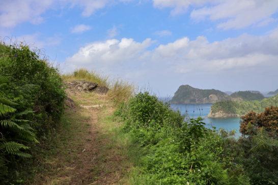 山道の途中からも絶景が眺められる