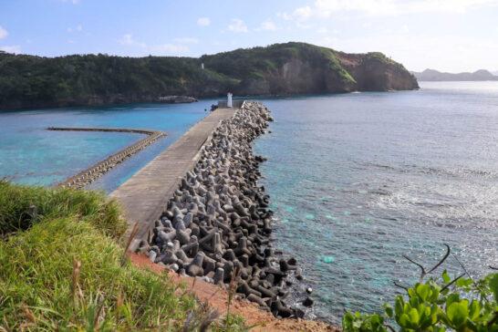 鮫ヶ崎展望台から見える灯台