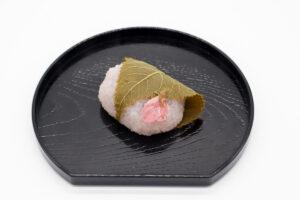井筒八ッ橋本舗の桜餅